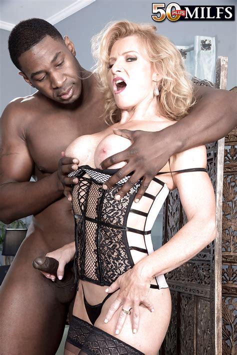 Mature Blonde Woman Amanda Verhooks Giving Massive Black