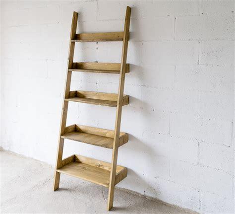 come fare uno scaffale in legno come realizzare uno scaffale a scala fai da te all