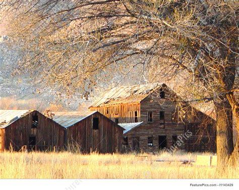 barns stock photograph   featurepics