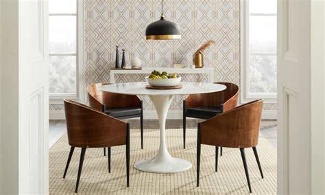 top  light fixtures   harmonious dining room