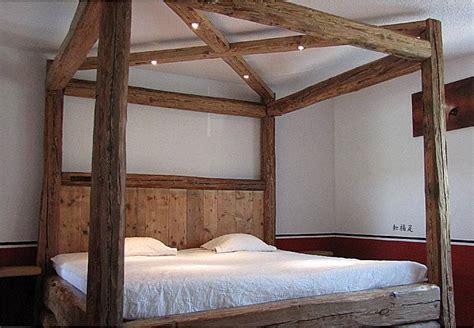 bett aus balken landhausstile countrystile balkenbett bett aus balken schlafm 246 bel massivholzm 246 bel m 246 bel
