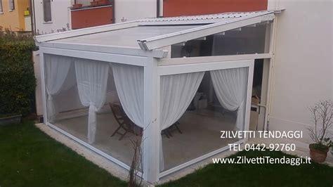 tettoie in legno chiuse le moderne tettoie da giardino con tende ermetiche