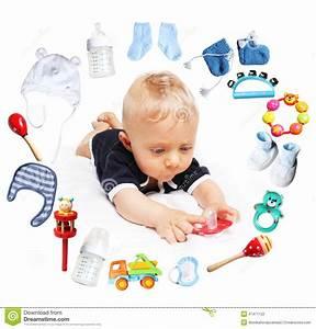 Accessoire Bébé Garçon : b b gar on et accessoires pour des enfants en cercle autour photo stock image 47471122 ~ Teatrodelosmanantiales.com Idées de Décoration