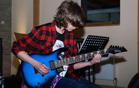 Ģitārspēle | Mūzikas studija