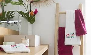 Serviette Carré Blanc : linge de bain serviettes de toilette draps de bain peignoirs carr blanc ~ Teatrodelosmanantiales.com Idées de Décoration