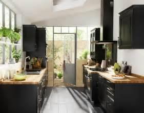 solde cuisine lapeyre la cuisine bois et noir c 39 est le chic sobre raffiné