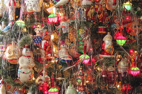 merry kitschmas canada kitschy christmas ornaments