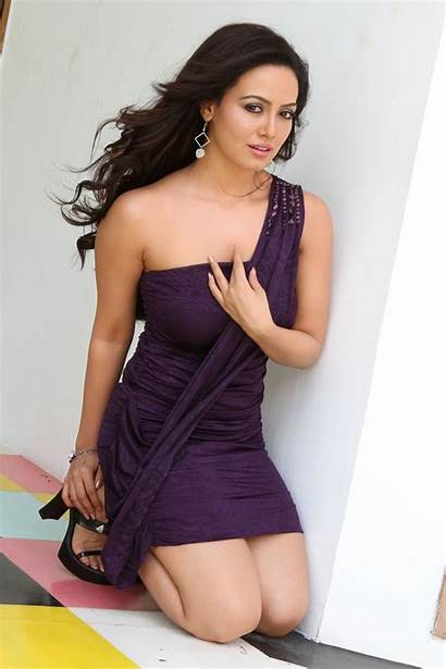 Sana Khan Actress Bollywood Bold Navel Wallpapers