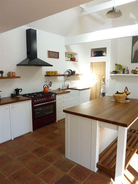 tongue  groove kitchen handmade  peter henderson furniture brighton uk