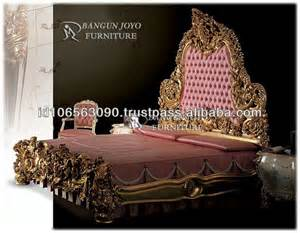 luxury furniture wood royal crown bed with gold leaf bj