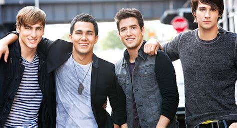 With kendall schmidt, james maslow, carlos penavega, logan henderson. Watch Big Time Rush Reunite for an Acoustic Performance of 'Worldwide'   Glitter Magazine