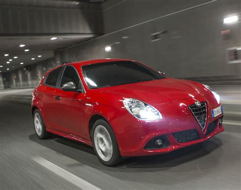 Alfa Romeo Giulietta Dodge Dart by Dodge Dart 2013 2016 Problems Fuel Economy Driving