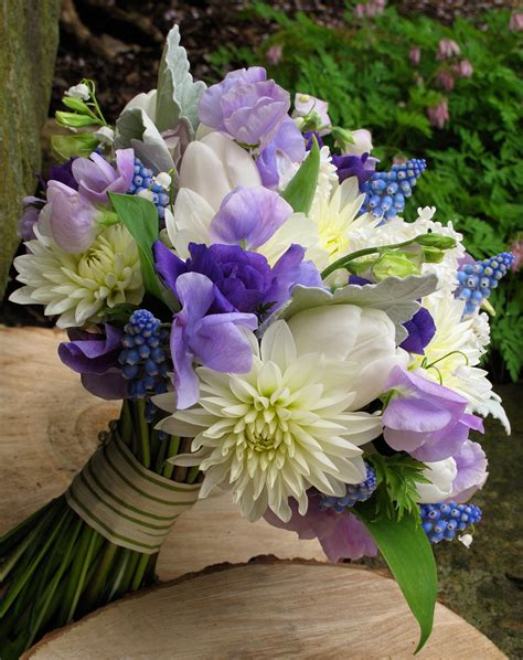 spring wedding flower bouquets