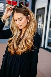 Balayage Cheveux Bouclés : 1001 looks tendance qui adoptent la couleur bronde ~ Dallasstarsshop.com Idées de Décoration