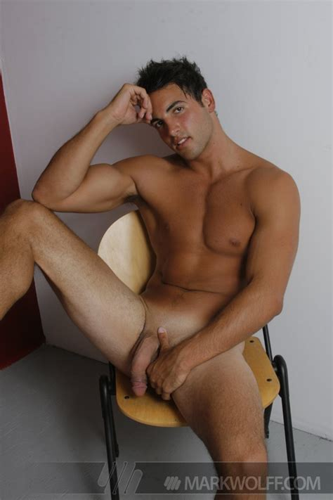 nude hunk anthony z has big muscle cock cgay muscles