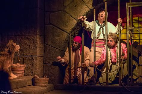 Each team is consist of 3 pirates, the last team to have a pirate surviving will win. 7 Facts And Secrets About Pirates Of The Caribbean At Walt Disney World - DisneyTips.com