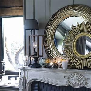 Miroir Doré Rond : miroir rond dor soleil jaune interior 39 s ~ Teatrodelosmanantiales.com Idées de Décoration