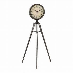 Horloge En Metal : horloge tr pied en m tal grand h tel maisons du monde ~ Teatrodelosmanantiales.com Idées de Décoration