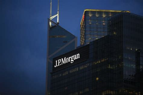 jp morgan  offering   route   front office job