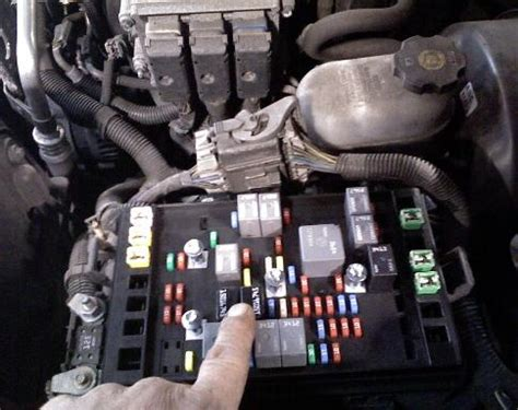 2007 Yari Engine Diagram by I A 2004 Chevy Tahoe And The High Beams Work When The