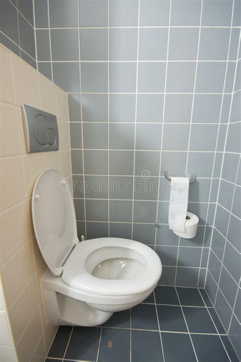 toilette dans la chambre d h 244 tel image stock image 5807947