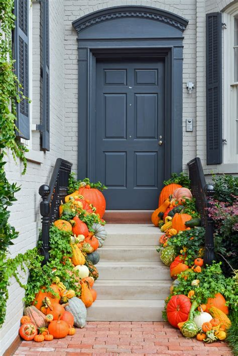 10 easy essentials for outdoor fall decorating diy - Outside Decoration Ideas