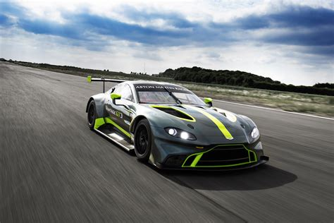 Aston Matin Car : Aston Martin Vantage Gt3 And Gt4 Customer Race Cars Revealed