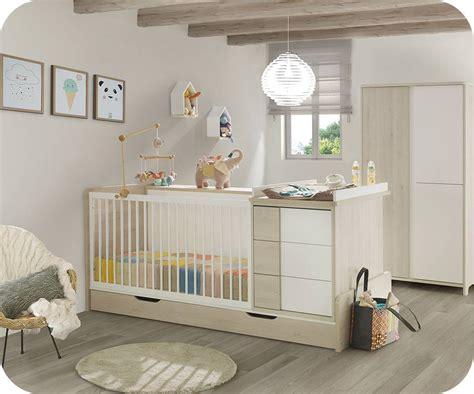 chambre bébé en bois lit bébé combiné évolutif lili bois et blanc avec matelas bébé