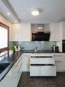 Küche Weiß Hochglanz : h cker k che in lack weiss hochglanz als u form mit ~ Watch28wear.com Haus und Dekorationen