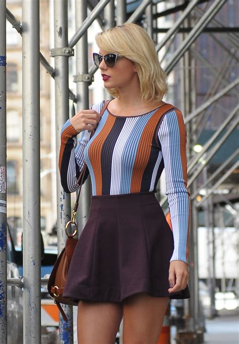 Taylor Swift Inspiring Style - Leaving Her Apartment in ...