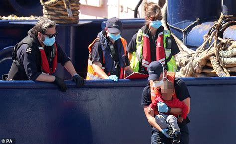 France demands £30million to help stem flow of migrants ...