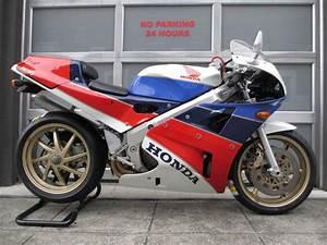 Honda Rc 30 : 1990 honda rc30 004 with 3 568 miles for sale rare sportbikes for sale ~ Melissatoandfro.com Idées de Décoration