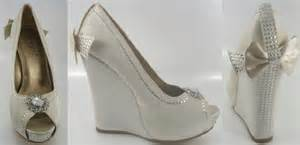 ivory wedge wedding shoes object moved
