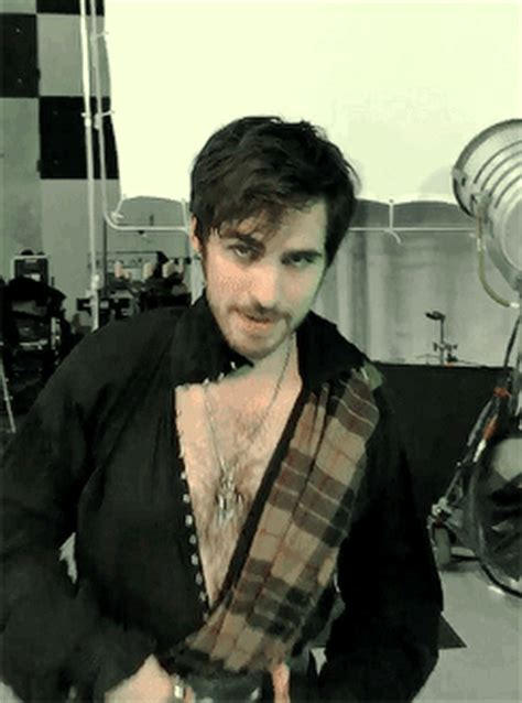 colin o donoghue kilt colin o donoghue meets sam heughan s challenge to wear a