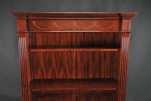 Mahagoni Farbe Holz : mahagoni b cherregal mit der farbe dunkelbraun aus holz stilvolle einzigartige leer gef llt von ~ Orissabook.com Haus und Dekorationen