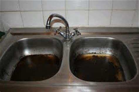 deboucher evier cuisine comment déboucher un évier de cuisine soi même conseils guide pratique de allo