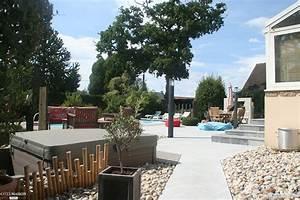amenagement d39une plage de piscine esprit contemporain With abri de jardin contemporain 14 amenagement petit espace with contemporain cuisine