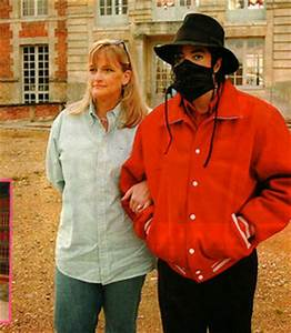 Second wife, Debbie Rowe, appeared on the cover of the ...