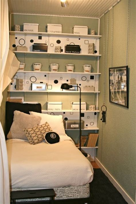 Small Bedroom Organization Ideas by 151 Best Images About Small 10x9 Bedroom Ideas On