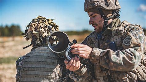 Sauszemes spēku Mehanizētās kājnieku brigādes mācības ...