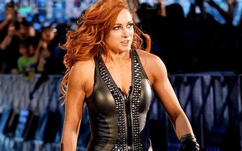 becky lynch offered  multi year wwe contract
