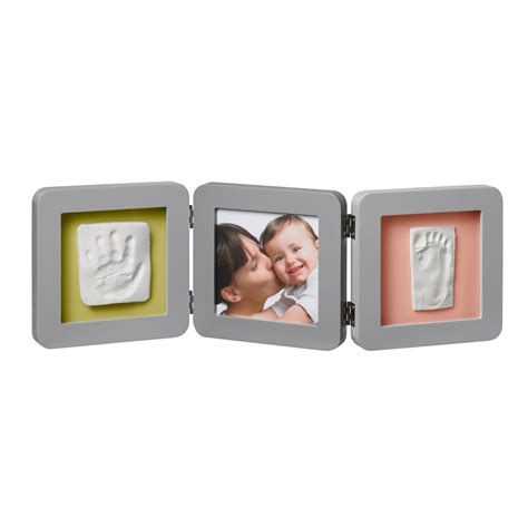 cadre photo bebe avec empreinte cadre photo modern 3 volets avec 2 empreintes gris de baby