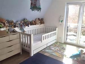 Kinderbett Ab 3 Jahren : wei lackiertes kinderbett mit g stebett aus buche kinderzimmer ~ Watch28wear.com Haus und Dekorationen