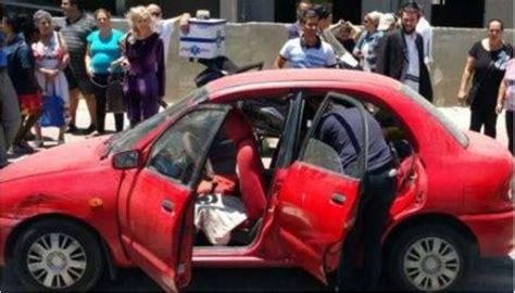 papa dimentica i figli in auto sotto il sole morti bimbi
