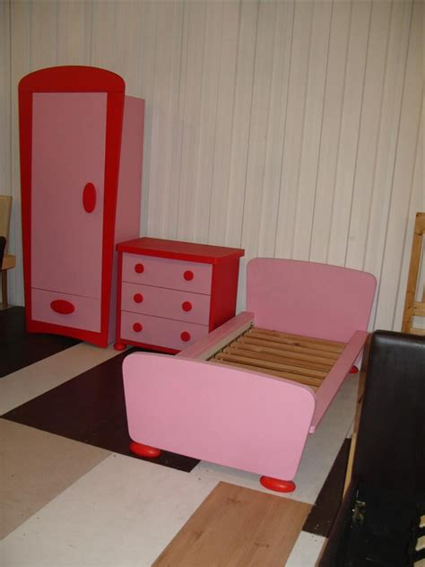 ikea mammut children bedroom furniture pink  red