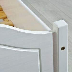 Bett Weiß Massiv 180x200 : bett karlo doppelbett 180x200 kiefer massiv wei lackiert ~ Bigdaddyawards.com Haus und Dekorationen