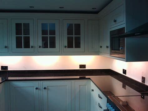 Tips Decor, Ideas, Design of Under kitchen cabinet LED