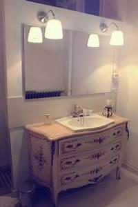 Ancienne commode de campagne , revisitée par Luminance design France Vasque retro, meuble