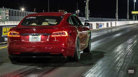 Stock 2016 Tesla Model S P100d 1/4 Mile Drag Racing