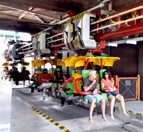 Entree Kibbles Canopy Flyer @ Universal Studios Singapore